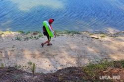 В курганском районе открыли купальный сезон, но запретили плавать