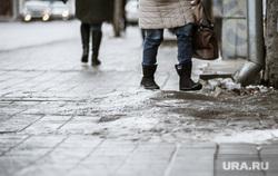 Пенсионерка добивается компенсации за падение у челябинского ТРК