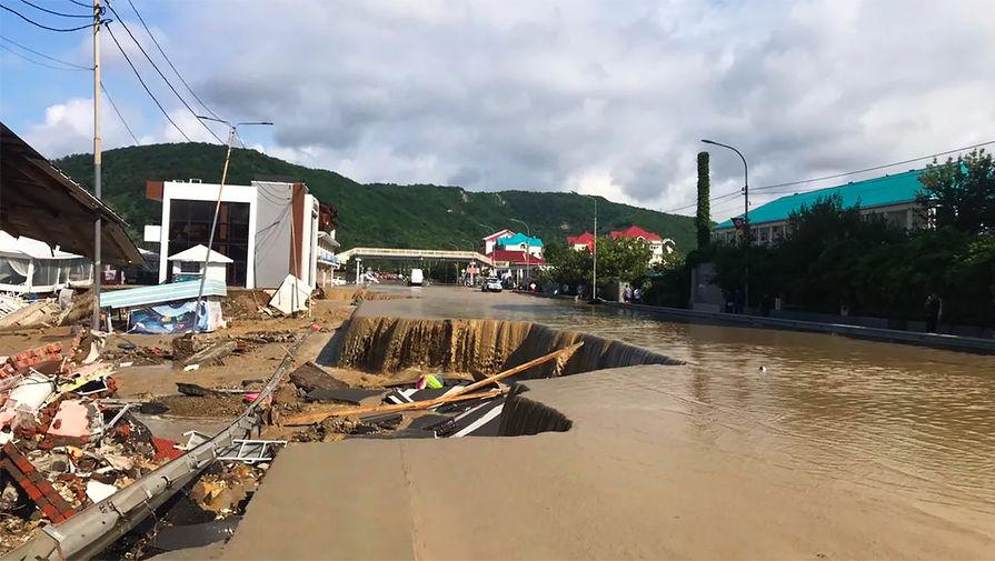 Под Туапсе подтоплены 760 домов, 17 соцобъектов и 3 моста