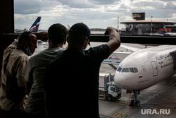 Самолет Краснодар — Екатеринбург задержали на шесть часов