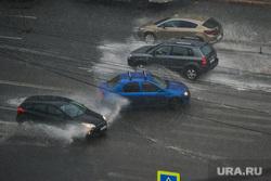 В Челябинске прошла гроза с градом. Некоторые районы затопило. Фото, видео