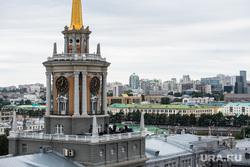 Напротив мэрии Екатеринбурга открыли искусственный сквер. Такие будут по всему городу