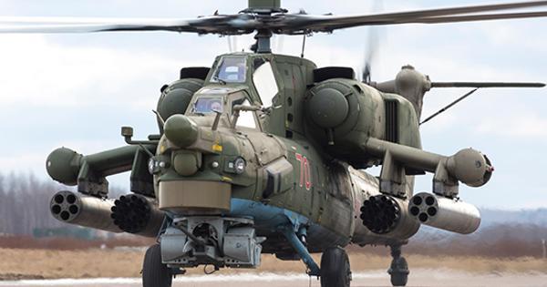 ПодСанкт-Петербургом молодые пилоты «Ночных охотников» отработали парные взлёты