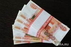 В Госдуме предложили увеличить МРОТ до 60 тысяч