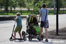 Юрист: в России с 1 сентября повысят важное пособие для матерей