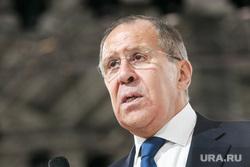 Лавров призвал снять ограничения на контакты военных РФ и США