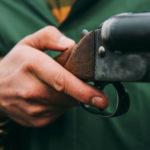 Неизвестный застрелил человека в Вологодской области
