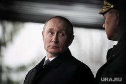 Шойгу показал Путину первых боевых роботов в российской армии. Видео