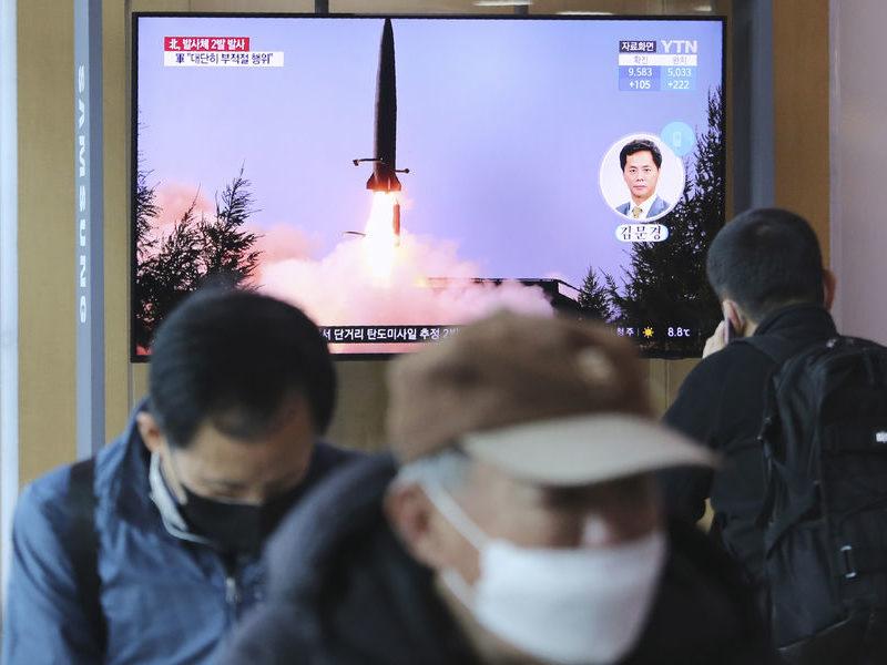 Северная Корея запустила снаряд в сторону Японского моря